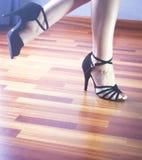 Bailarín del latín de la danza de salón de baile Imagen de archivo libre de regalías