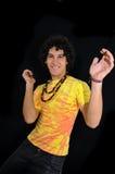 Baile adolescente hispánico alegre en negro Imágenes de archivo libres de regalías