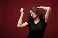 Baile atractivo de la mujer joven Foto de archivo libre de regalías