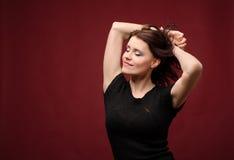 Baile atractivo de la mujer joven Imagen de archivo libre de regalías