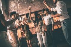 Baile de los amigos Fotografía de archivo