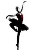 Baile del bailarín de ballet de la bailarina de la mujer joven Fotos de archivo libres de regalías