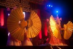 Baile del fan en Año Nuevo chino. Foto de archivo libre de regalías