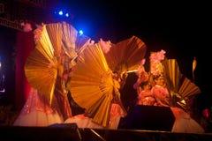 Baile del fan en Año Nuevo chino. Fotos de archivo libres de regalías