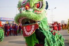 Baile del león del chino tradicional Imágenes de archivo libres de regalías