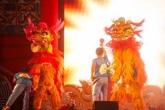 Baile del león en Año Nuevo chino. Imagenes de archivo