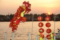 Baile del león en Año Nuevo chino. Foto de archivo libre de regalías