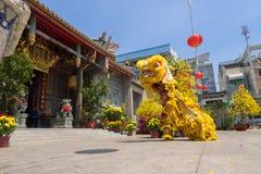 Baile del león para celebrar Año Nuevo lunar Fotografía de archivo