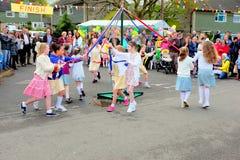 Baile del Maypole foto de archivo libre de regalías
