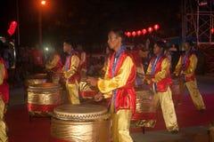 Baile del tambor en Año Nuevo chino. Foto de archivo