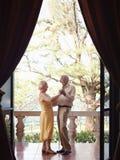 Baile del viejo hombre y de la mujer al aire libre Fotografía de archivo libre de regalías