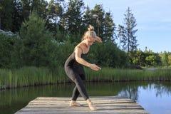 Baile en una pera Foto de archivo libre de regalías