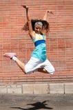 Baile hermoso hip-hop de la muchacha Foto de archivo libre de regalías