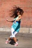 Baile hermoso hip-hop del adolescente Fotos de archivo libres de regalías