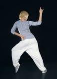Baile hip-hop del adolescente en la oscuridad Imagen de archivo libre de regalías