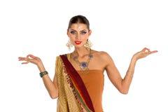 Baile indio de la muchacha Imagen de archivo libre de regalías