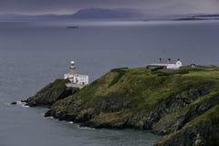 Bailey Lighthouse em Dublin Bay em um dia enevoado foto de stock royalty free