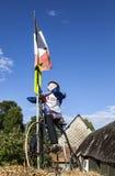 一个骑自行车者的吉祥人在Le环法自行车赛期间的。 免版税图库摄影