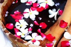 Bain floral de pied Photographie stock