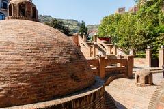 Bains de soufre dans le secteur d'Abanotubani de Tbilisi photo stock