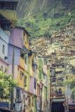 Bairro degradado Favela em Rio de janeiro imagem de stock