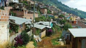 Bairro pobre em Medellin Colômbia vídeos de arquivo