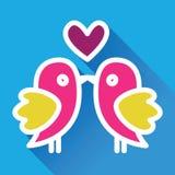 Baiser d'oiseaux Carte mignonne du ` s de valentine Photos libres de droits