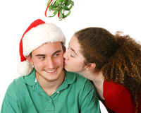 Baiser de Noël sous le gui Photos libres de droits