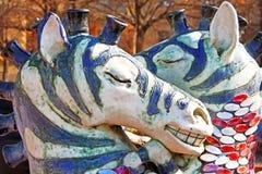 Baisers de la fontaine de zèbres par le sculpteur Constantin Skretutsky à l'allée de Pejzazhna Photographie stock