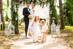 Baisers de mariée et de marié photos libres de droits