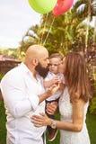 Baisers de parents grincheux photo libre de droits