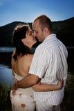 Baisers des couples photo libre de droits
