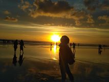 Baisers du coucher du soleil photo libre de droits