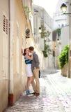 Baisers romantiques de couples Images libres de droits