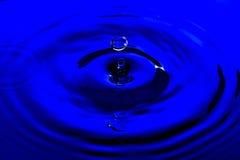 Baisse claire de l'eau bleue Image libre de droits