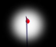 Baisse de seringue d'insuline photographie stock libre de droits