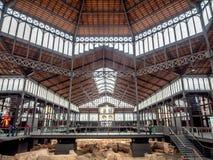 Baissemarktinnenraum in der alten Stadt von Barcelona lizenzfreie stockfotos