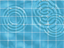 Baisses de l'eau dans la piscine Photographie stock libre de droits