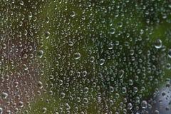 Baisses de l'eau sur la glace photo stock