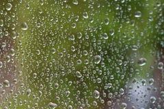 Baisses de l'eau sur la glace image libre de droits