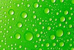 Baisses vertes de l'eau Photo stock