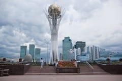 Baiterek -一座纪念碑在哈萨克斯坦,阿斯塔纳,其中一种的首都城市的主要吸引力 库存照片