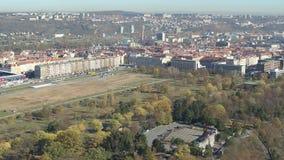 Baixa aérea do general arena de Praga do zangão video estoque