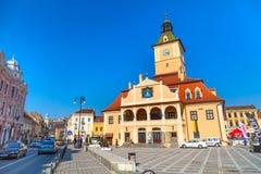 Baixa do quadrado ou da Piata Sfatului do Conselho dentro de Brasov, Romênia Imagens de Stock Royalty Free
