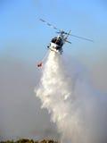 Baixa passagem do helicóptero Fotografia de Stock
