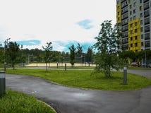 Baixo complexo de apartamentos moderno novo da elevação Moscovo, Rússia Fotos de Stock Royalty Free