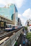 2 baiyoke της Μπανγκόκ bts οικοδόμησης πόλεων παρόδων πολυ παράλληλη skytrain σταθμών όψη μεταφορών πύργων της Ταϊλάνδης οδών πιό Στοκ Φωτογραφίες