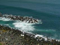 Bajíos y rocas del Puerto Rico Coast Imágenes de archivo libres de regalías