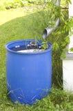 Bajada de aguas y barril Fotos de archivo libres de regalías