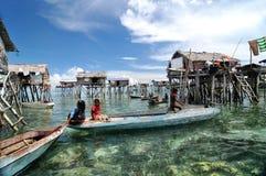 Bajau渔夫的村庄 库存照片